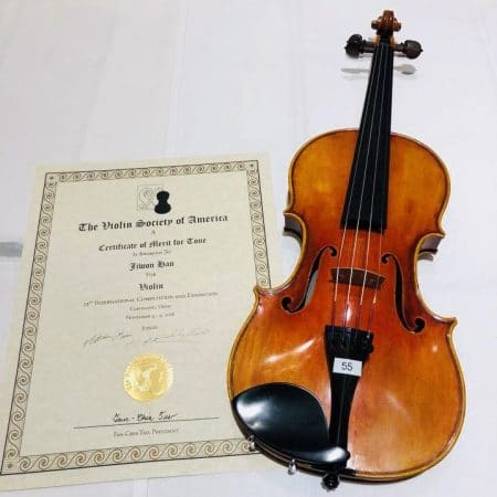 LAVS Head Luthier Jiwon Han received Tone Award from VSA